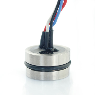 Isolated pressure transducer